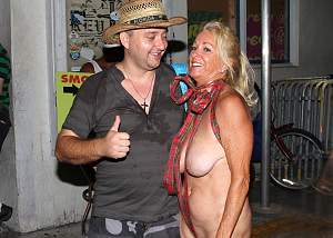 Awesome tits 340 he loves Granny's saggers!.jpg