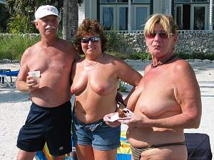 Awesome tits 346 having the mature Hang out together!.jpg