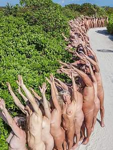 Unusual to see them doing the NUDE Wave!.jpg