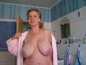 Awesome tits 941 this wife has Tan Lines!.jpg