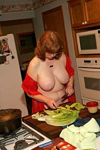 Awesome tits 932 this wife makes a Good meal~.jpg