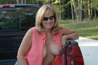 Awesome tits 88 Elaine.jpg
