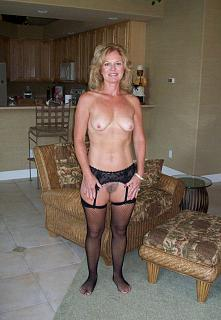 Naughty Mom 129 in hose.jpg