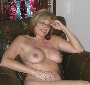 Naughty Mom 5056 still has Cock on her mind!.jpg