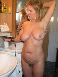 Naughty Mom 5087 nice Huge furry too!.jpg