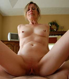 Naughty Mom 5089 the look of Pleasure!.jpg