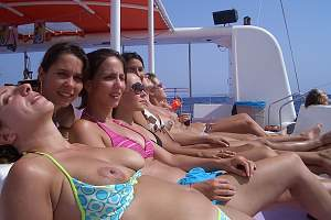 Awesome tits 405 the family shows boobies on vacation!.jpg
