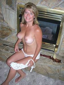 Awesome tits 4387 the wife is Perky!.jpg