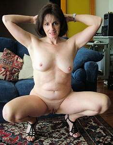 Naughty Mom 9679 the wife has new Shoes!.jpg