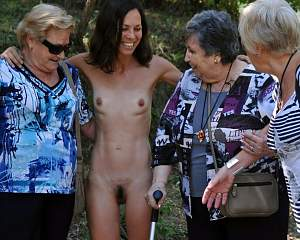 Naughty Mom 9691 GF shows the Family what BOLD is!!!!.jpg
