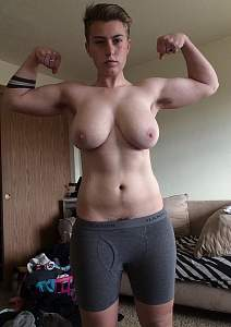 Awesome tits 4401 the GF has Muscles!.jpg
