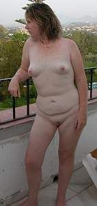 Awesome tits 4403 the wife has Freckles!.jpg