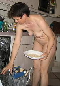 Awesome tits 4416 wife doing the Dishes!.jpg