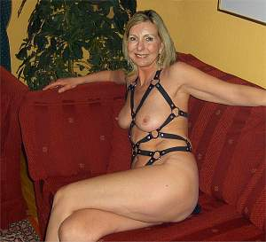 Awesome tits 4705 wife is SEXY!.jpg