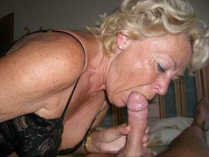 Naughty Mom 0311 Granny still sucks!.jpg