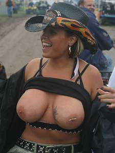 Awesome tits 5306 GF has a Country side!.jpg