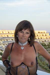 Awesome tits 5319 wife is fully Tanned!.jpg
