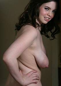 Awesome tits 5321 GF does a Twister!.jpg