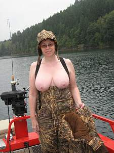 Awesome tits 5335 wife is Sexy boater!.jpg