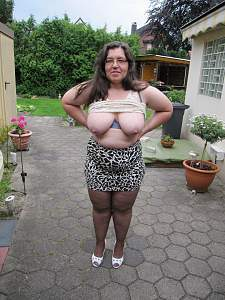 Awesome tits 5354 Granny is Bold for neighbors!.jpg