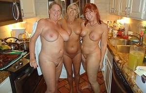 Awesome tits 5355 the Family is Kitchen ready!.jpg