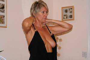 Awesome tits 5358 Granny is SEXY!.jpg