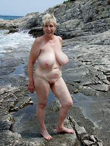 Awesome tits 5364 Granny is a bouncer!.jpg