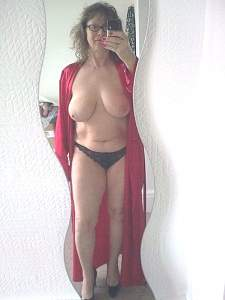 Awesome tits 5375 Granny is Big on showing!.jpg
