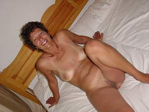 Awesome tits 5377 wife smiles on Vacation!.jpg