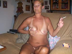 Awesome tits 5384 wife is a Smoker!.jpg