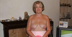 Awesome tits 5393 Granny has droopers!.jpg