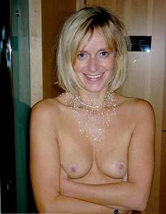 Awesome tits 5512 wife has Pink nipples!.jpg