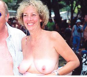 Awesome tits 43 Granny loves to show them!.jpg