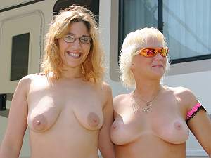 Awesome tits 25 Cute with large Nips!.jpg