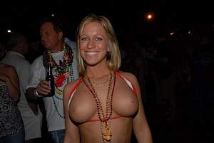 Awesome tits 6291 wife smiles Cute!.jpg
