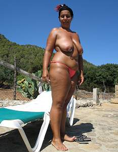 Awesome tits 123 wife has full Droopers!.jpg