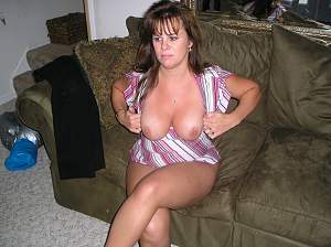 Awesome tits 131 wife enjoys popping them Out!.jpg