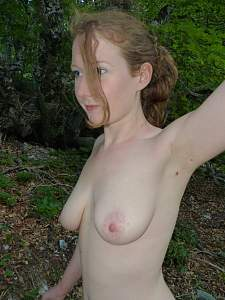 noirboeuf_-_young_redhead_girl_is_stripping_outside,_please_leave_dirty_comm_-_0027P1020714.jpg